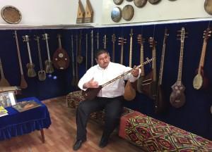 Мастер музыкант в Самарканде